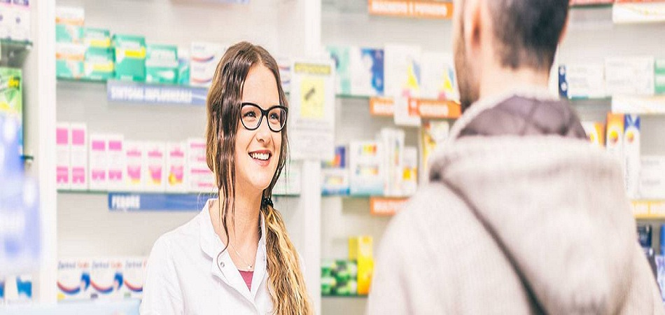 Pharmacie classique et pharmacie en ligne : laquelle vend moins cher ?